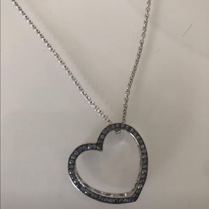 Jewelry - Blue diamond and white gold floating heart